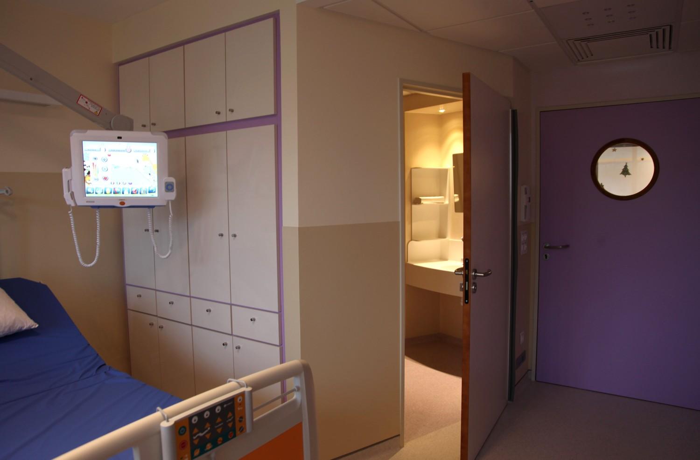 Chambre hopital moderne for Chambre de service