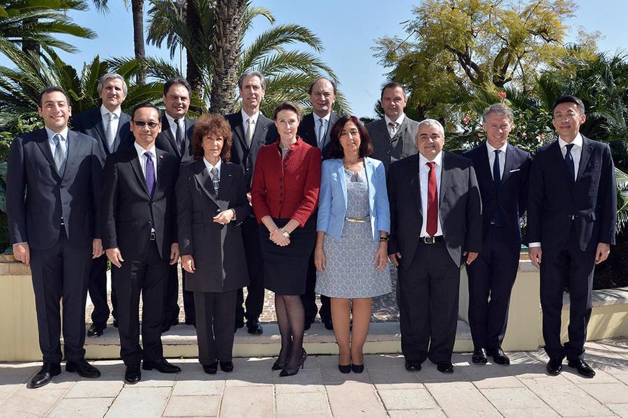 Les relations diplomatiques et consulaires dissertations