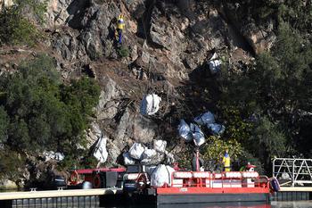 Nettoyage falaises du Rocher HD - Crédit photo: © Manuel Vitali / Direction de la Communication