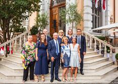 Réception Rome 2019 - S.E. M. Robert Fillon et son épouse, entourés du personnel de l'Ambassade. ©DR