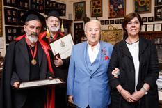 Voir la photo - © DR - de gauche à droite, Gérard Pettiti et Claude Rosticher, Zourab Tsereteli - Président de l'Académie Russe des Arts et S.E. Mme Mireille Pettiti, Ambassadeur de Monaco dans la Fédération de Russie
