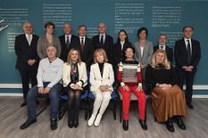 Visite AVIP 1 - Le Ministre d'Etat entouré des membres du Gouvernement et de l'équipe de l'AVIP. ©Direction de la Communication / Michael Alesi