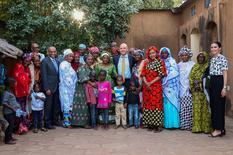 VT Mali - Laurent Anselmi, Conseiller de Gouvernement-Ministre des Relations Extérieures et de la Coopération en visite chez SOS Village d'enfants Mali ©Hamdia Traoéré